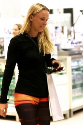 Carolina Wozniacki - Goes to Christmas Shopping Mall Ball Harbour Miami, December 2015