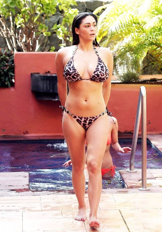 Casey Batchelor Hot in Bikini – Tenerife, Canary Islands 12/26/2015