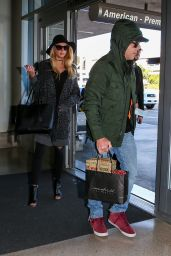 Charlotte McKinney Airpot Style - LAX in Los Angeles 12/27/2015