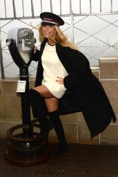 Christie Brinkley - The Empire State Building