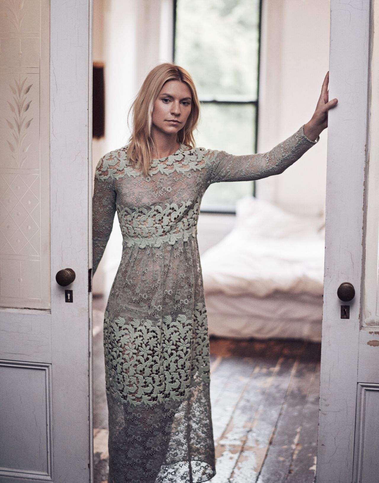 claire-danes-photoshoot-for-the-edit-magazine-december-2015-_8.jpg