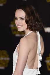 Daisy Ridley – Star Wars: The Force Awakens Premiere in Hollywood