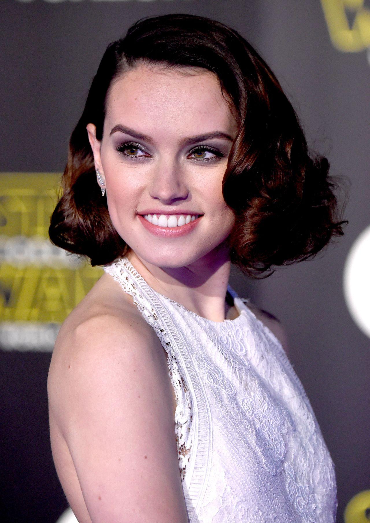 Daisy Ridley – Star ...