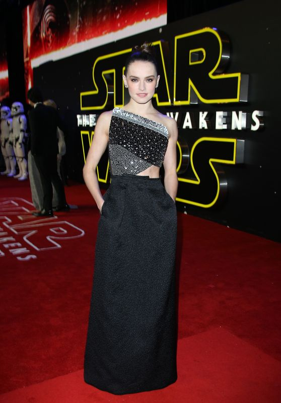 Daisy Ridley - Star Wars: The Force Awakens Premiere in London
