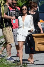 Demi Lovato - Filming the Victoria