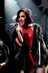 Demi Lovato Performs at Jingle Ball 2015 in Dallas