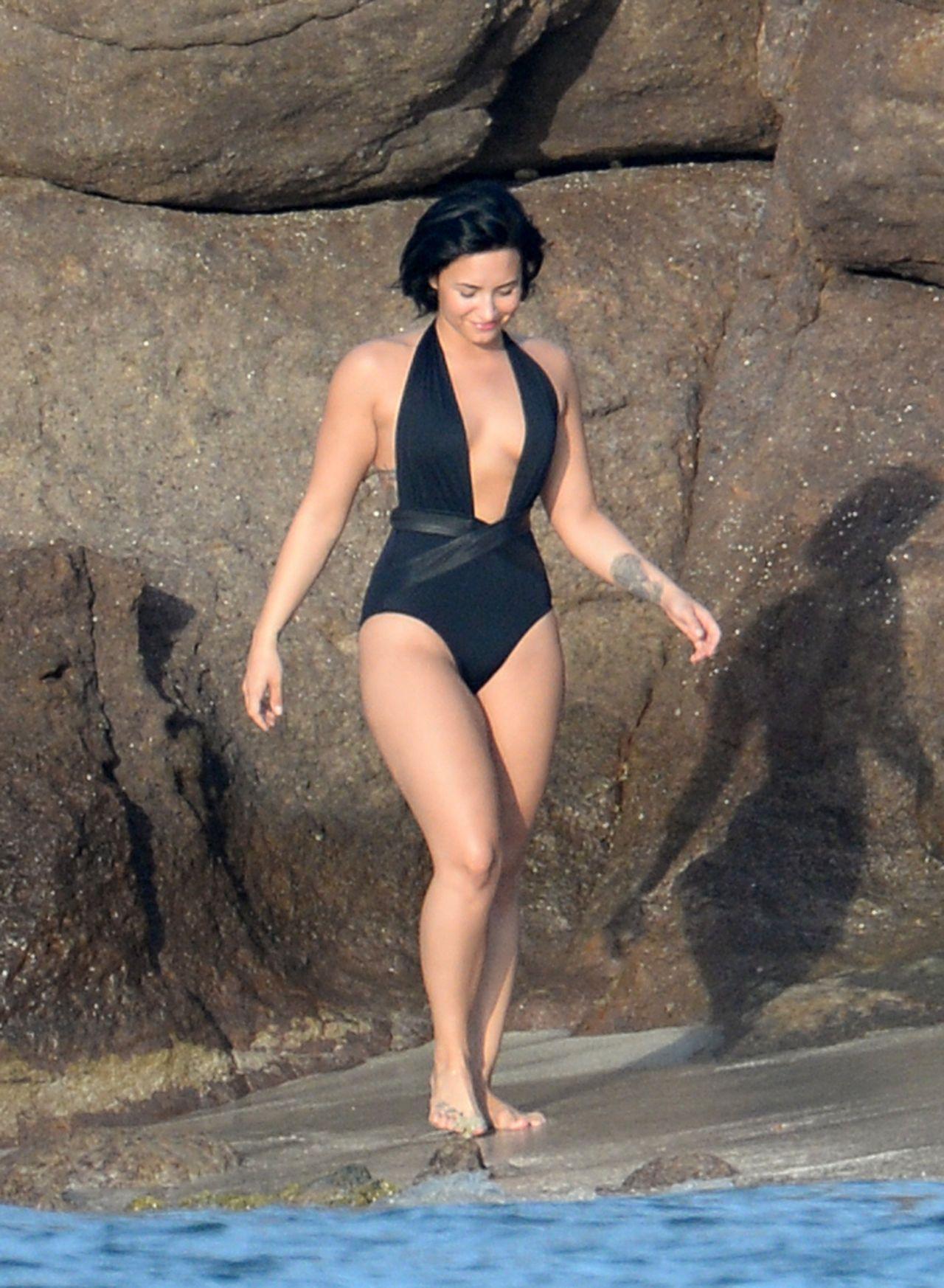 Nicole jones bikini