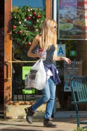 Denise Richards Booty in Jeans - Calabasas 12/13/2015