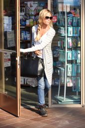 Denise Richards Shopping in Beverly Hills, December 2015