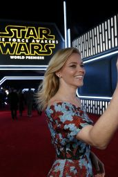 Elizabeth Banks - Star Wars: The Force Awakens Premiere in Hollywood