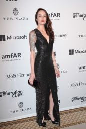 Elle Dee – 2015 amfAR GenerationCURE Holiday Party in New York