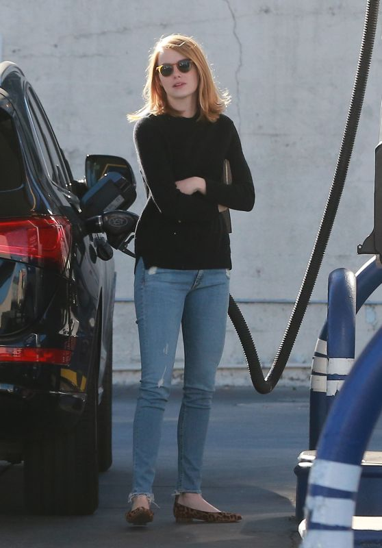 Emma Stone - Stops For Gas in Studio City, December 2015