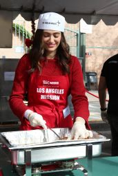 Emmy Rossum - Christmas Dinner for The Homeless at The Los Angeles Mission 12/24/2015