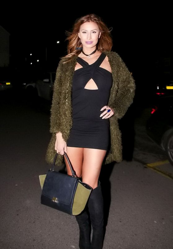 Ferne McCann Night Out Style - Arriving at Shepherd & Dog pub in Essex, December 2015