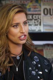Ferne McCann Visits the Mirror