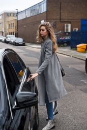 GiGi Hadid Casual Style - Leaving Photo Studios in London 12/21/2015