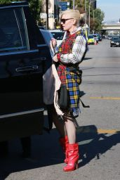 Gwen Stefani Leaving Church in Los Angeles, 12/13/2015