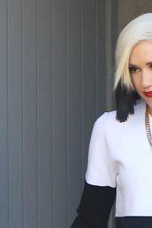 Gwen Stefani - Out in Sherman Oaks, December 2015