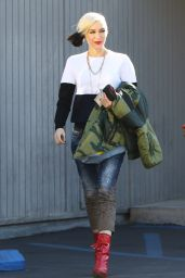 Gwen Stefani - Out in Sherman Oaks, December 2015