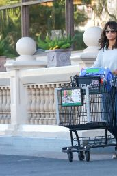 Halle Berry - Shopping in Beverly Hills 12/12/2015