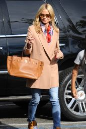 Heidi Klum Street Fashion - LAX Airport, December 2015