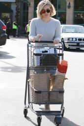 Hilary Duff Booty in Jeans - Out shopping in Los Angeles 12/24/2015