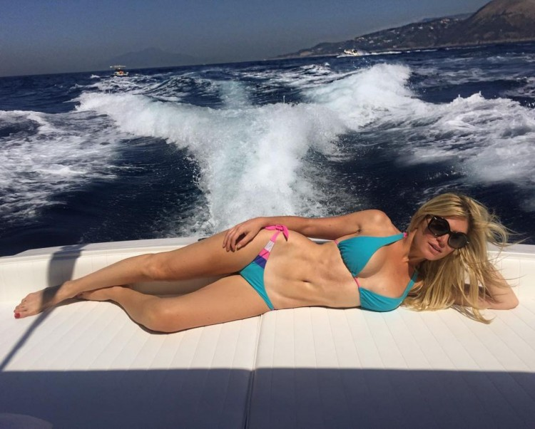 hofit-golan-bikini-picture-st-barths-december-2015-1