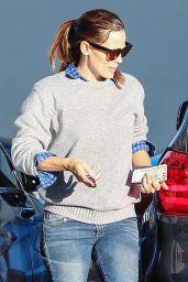 Jennifer Garner in Jeans - Out in Santa Monica, December 2015