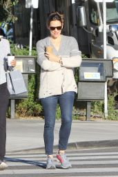 Jennifer Garner Street Style - Out in Brentwood, December 2015