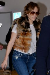 Jennifer Lopez Booty in Jeans - Shopping at Prada Milano in Beverly Hills, December 2015