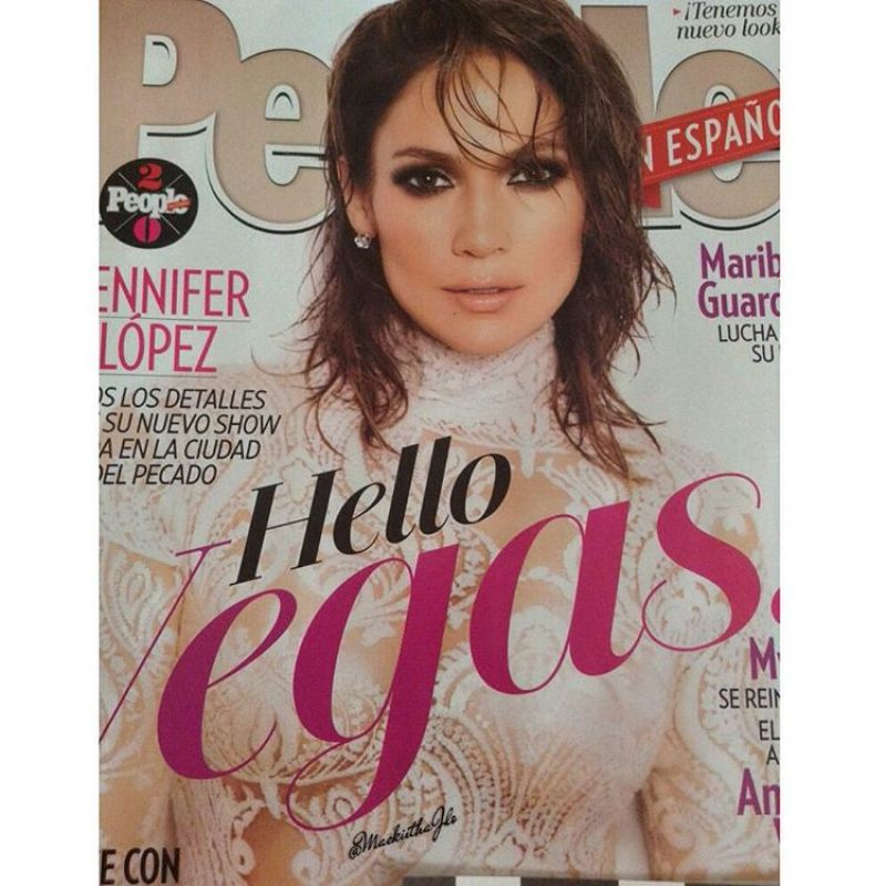 jennifer-lopez-in-white-outfit-people-en-español-magazine_1