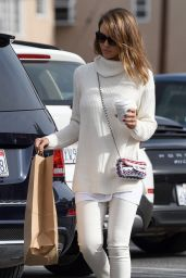 Jessica Alba Style - Christmas Shopping in Beverly Hills, 12/24/2015