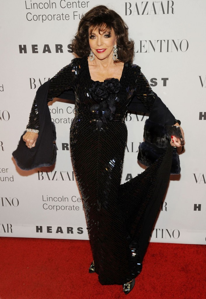 joan-collins-an-evening-honoring-valentino-gala-in-new-york-city-12-7-2015_2