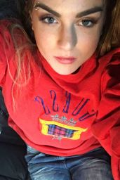 Joanna Jojo Levesque Social Media Pics – December 2015