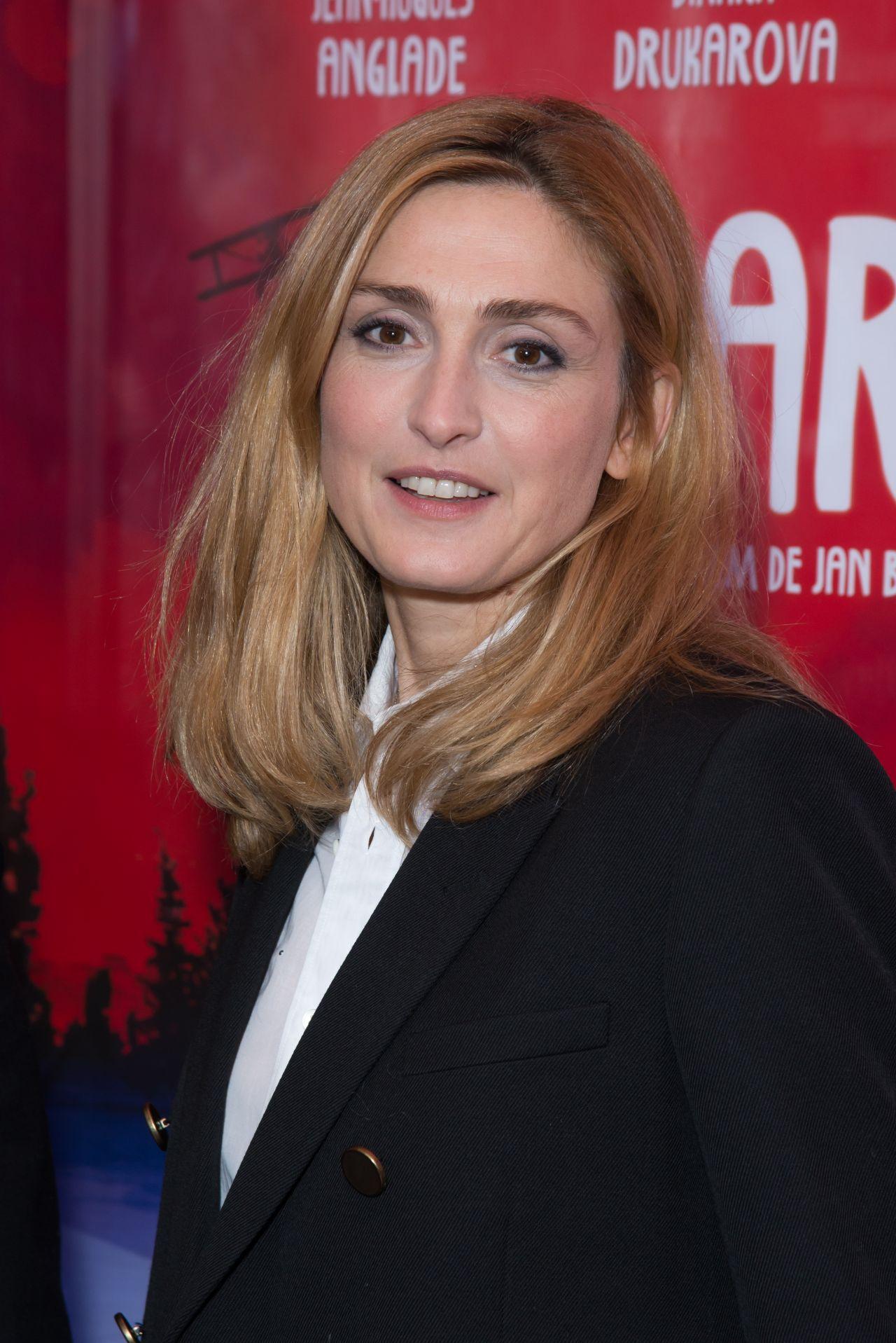 Julie Gayet Cafard Premiere In Paris