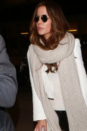 Kate Beckinsale Style - at LAX in Los Angeles 12/27/2015