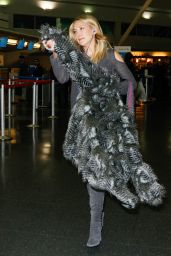 Kate Hudson at JFK Airport, December 2015