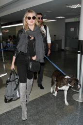 Kate Upton Airport Style - LAX in Los Angeles 12/23/2015