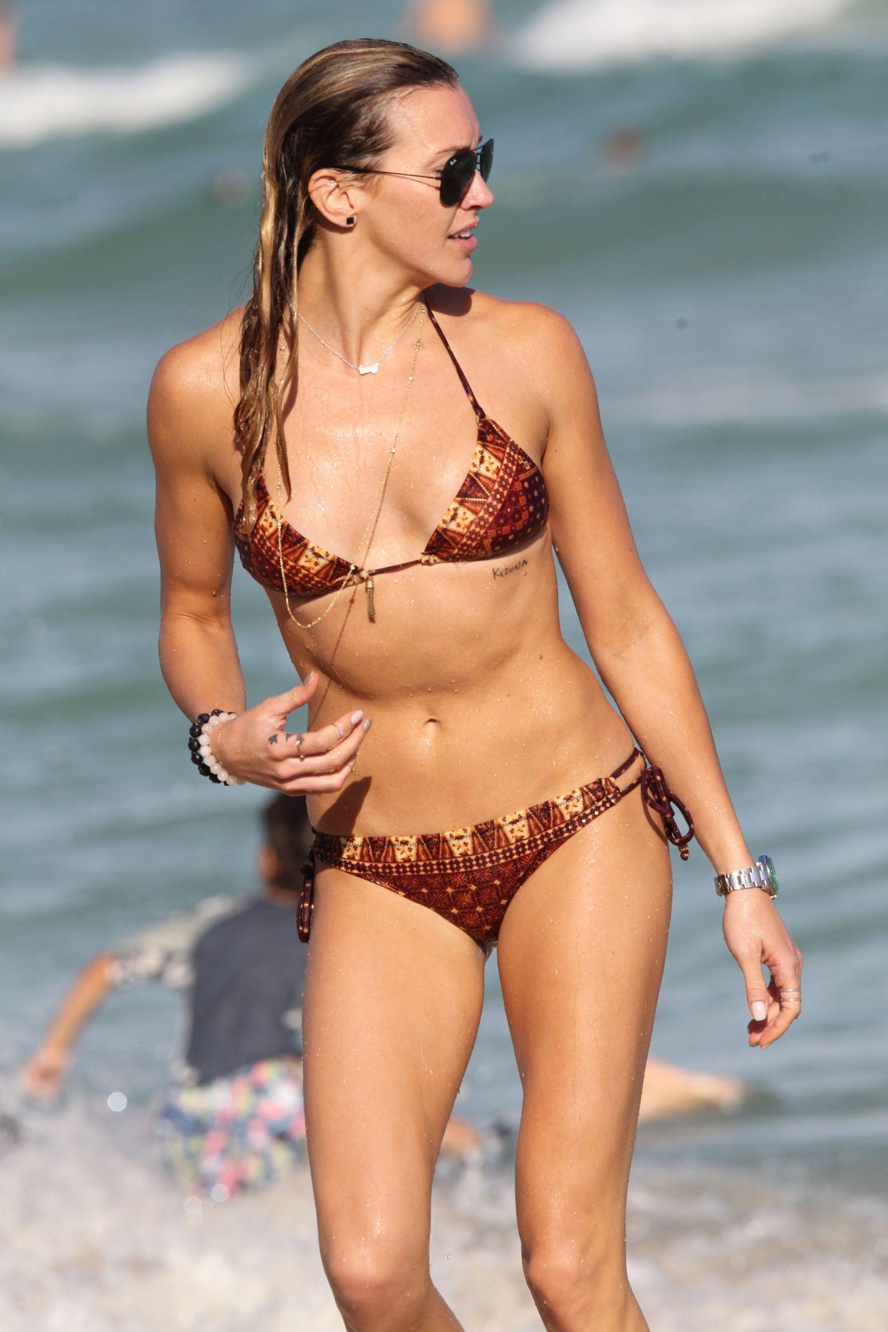 Katie Cassidy Bikini Candids - at the beach, Miami 12/28/2015
