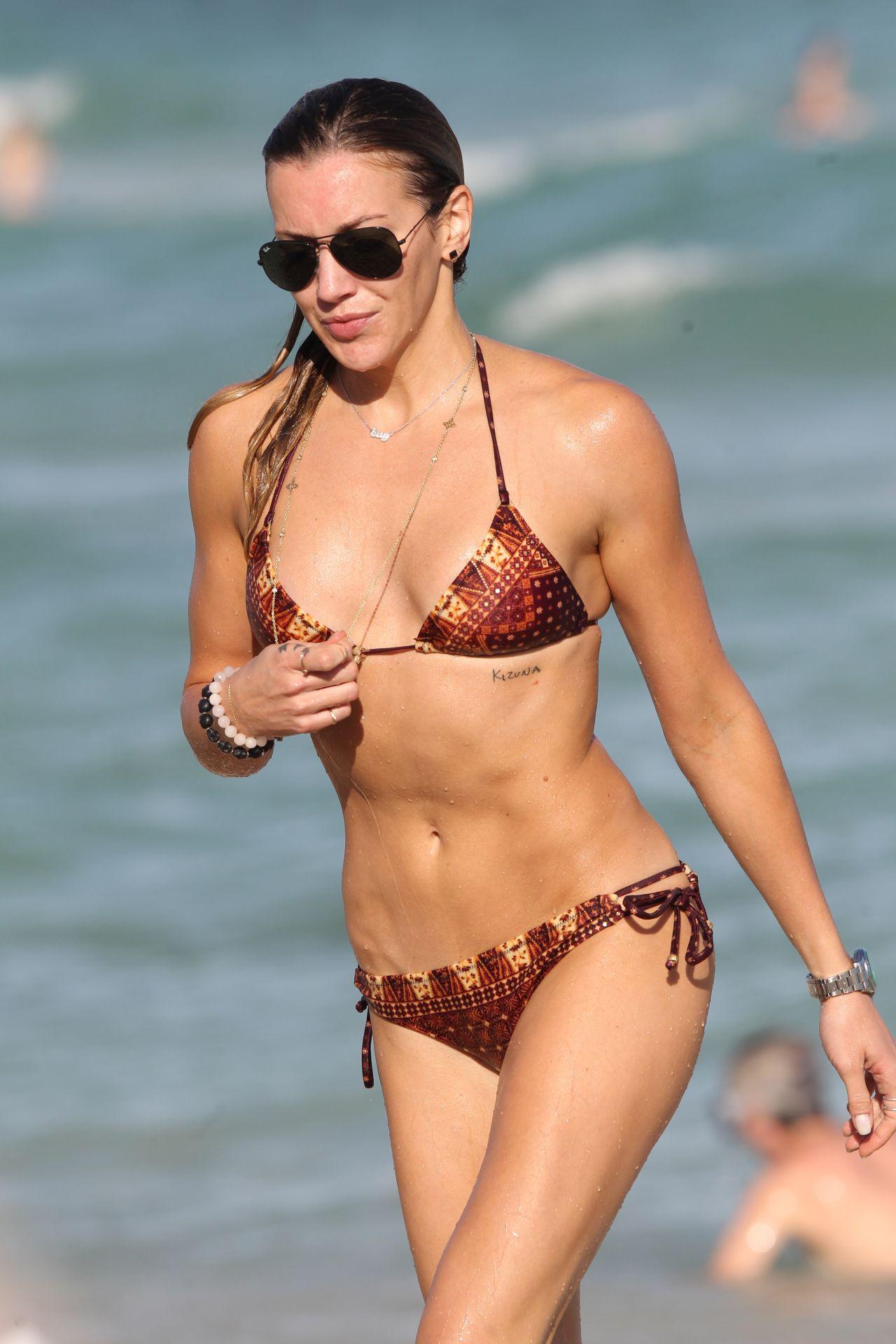 Katie Cassidy Bikini Candids At The Beach Miami 12 28 2015