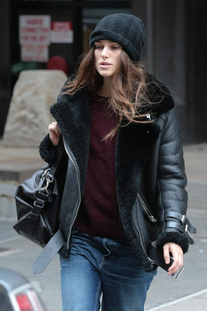 keira-knight-street-style-out-in-new-york-city-12-26-2015-2