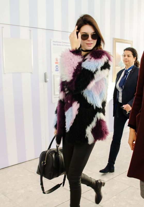 Kendall Jenner - Heathrow Airport in London, 12-8-2015