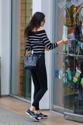 Kendall Jenner Shopping at Paper Source in West Hollywood, December 2015