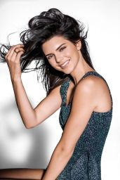Kendall Jenner - Vogue Magazine Brazil January 2016 Cover and Pics