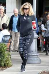 Khloe Kardashian in Leggings - Leaving Starbucks in Calabasas 12/19/2015