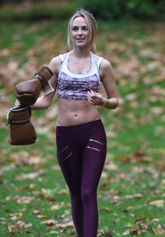 Kimberley Garner - Working Out in Hyde Park, 12/3/2015