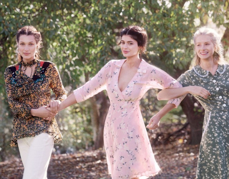 kylie-jenner-bella-hadid-and-lottie-moss-vogue-magazine-december-2015_1