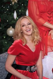Kylie Minogue - Poses with Her Wax Figure at Madame Tussauds in London, December 2015
