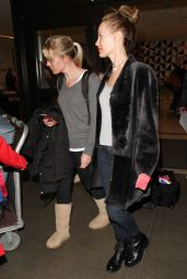 Leslie Mann at Los Angeles International Airport 12/22/2015