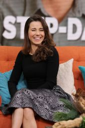 Linda Cardellini at 'Despierta America' in Miami 12/17/2015